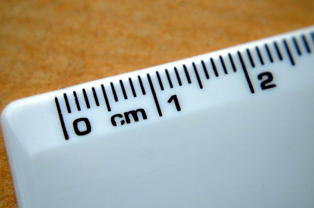 règle graduée en centimètres image Pixabay.com